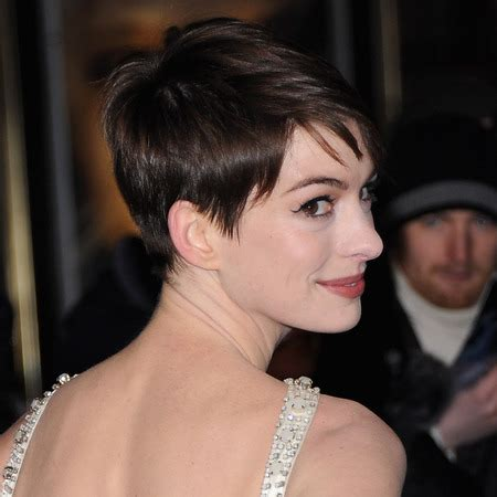 anne hathaway short hair 360 view anne hathaway pixie cut hairstyles inspirationseek com