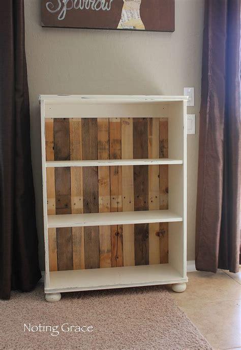 Pallet Bookshelf Diy Diy Pallet Bookcase Hometalk