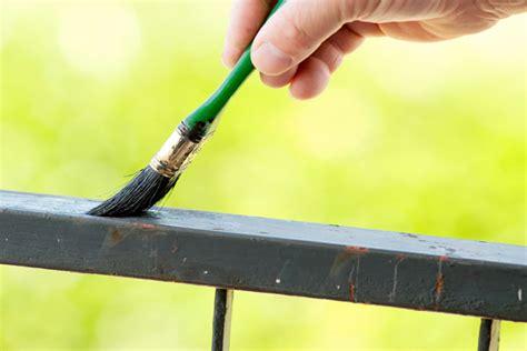 come pitturare una ringhiera come verniciare il metallo idee green