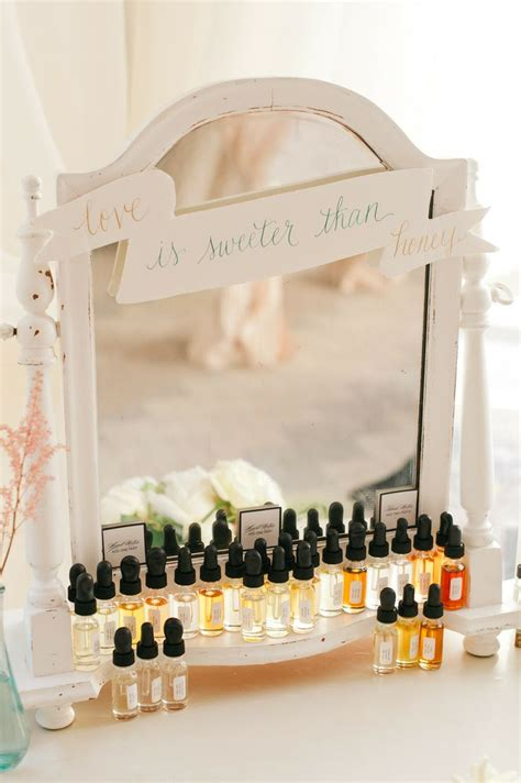 Wedding Favors Website by 11 Creative Wedding Favor Ideas Modwedding