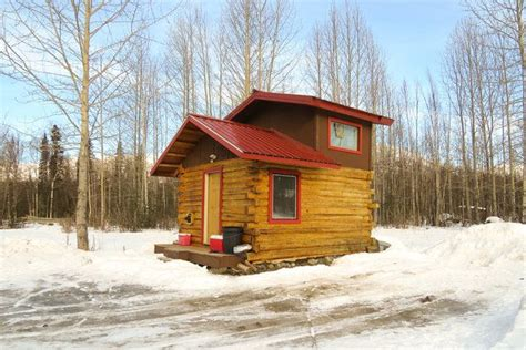 Cabins Alaska by Small But Cozy Alaska Cabins Cabins