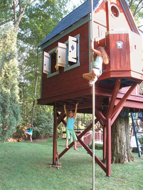 Backyard Zipline For Kids 15 Awesome Treehouse Ideas For You And The Kids