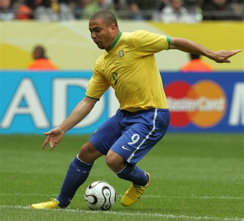 sports soccer great ronaldo says tearful goodbye to soccer