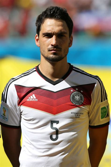 matts hummels mats hummels 2018 haircut beard weight
