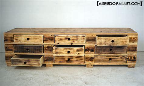 mobili cassettiere cassettiera con pallet idee per interni e mobili