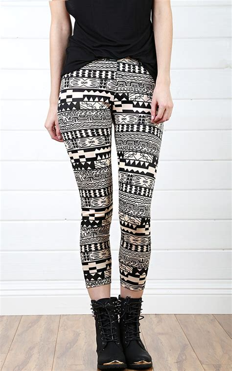 what to wear with patterned leggings what shoes to wear with printed leggings miss sassy girl