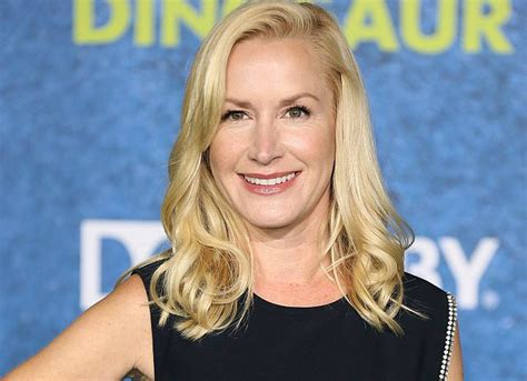 quot the office s quot angela kinsey gushes about being a it