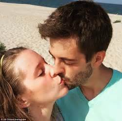 what job does derrick dillard have jill duggar husband derick and baby israel embark on