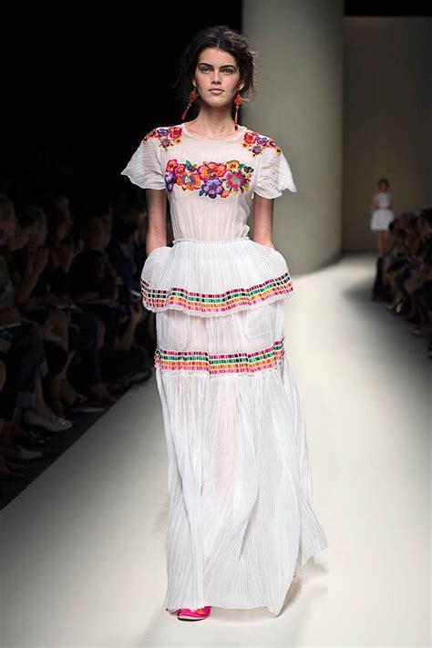 imagenes de vestidos de novia tradicionales bodas de inspiraci 243 n mexicana bodas inspiraci 243 n