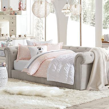girls bedroom sofa 25 best ideas about pb teen bedrooms on pinterest pb
