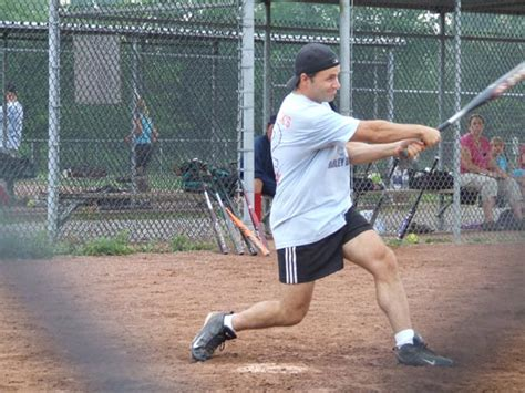 swinging a baseball bat correctly community sports