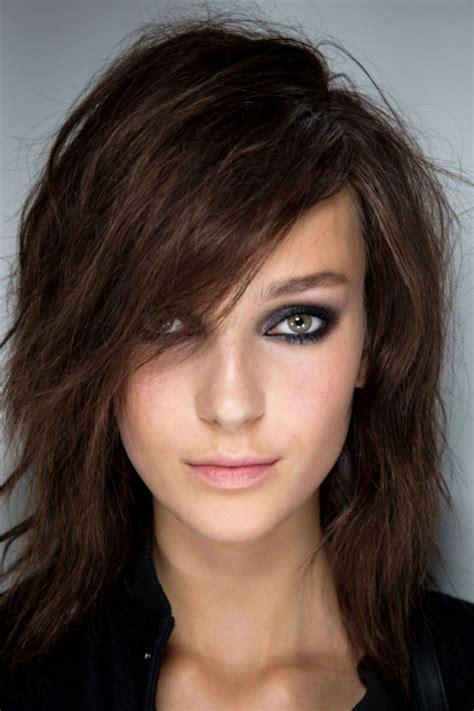 les modèles de cheveux modele de coupe cheveux degrade mi coiffure carre les