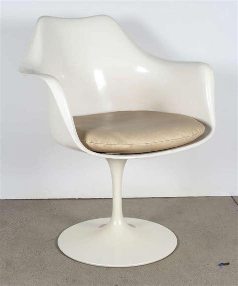 Vintage Tulip Chair By Saarinen For Knoll International At | vintage tulip chair by saarinen for knoll international