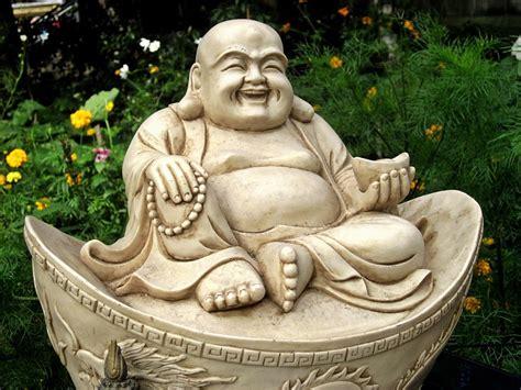 lachender buddha a22560531 jpg 1000 215 750