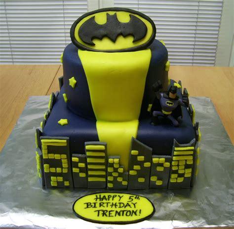 Batman Cakes De Ion  Ee  Ideas Ee   Little  Ee  Birthday Ee   Cakes