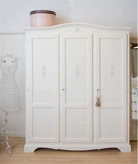 dipingere un armadio di legno armadi in stile provenzale foto 11 40 design mag