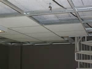 le plafond permet de masquer les imperfections et
