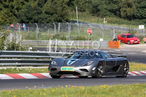 koenigsegg nurburgring koenigsegg agera crashes at the n 252 rburgring