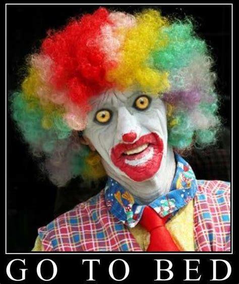 scary clown in bedroom creepy clown by ironbetito on deviantart