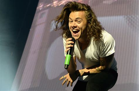 how old is harry styles in 2015 harry styles splits with one direction s management joins