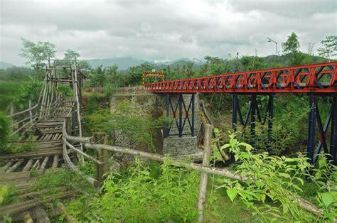 Kursi Roda Area Kediri mengubah titian bambu menjadi jembatan baja kediripedia