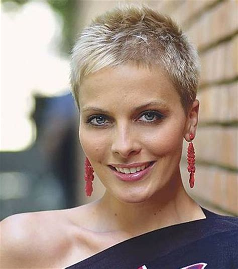 very short haircuts that lay flat to the head 1000 images about hair women with buzzcuts crewcuts and