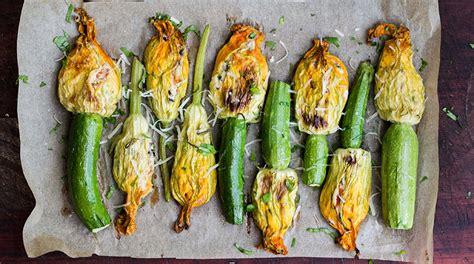 fiori zucchini ripieni fiori di zucchine ripieni di crema di melanzane la ricetta