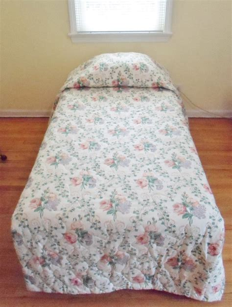 shabby chic bedspread vtg custom box pleated shabby roses chic bedspread
