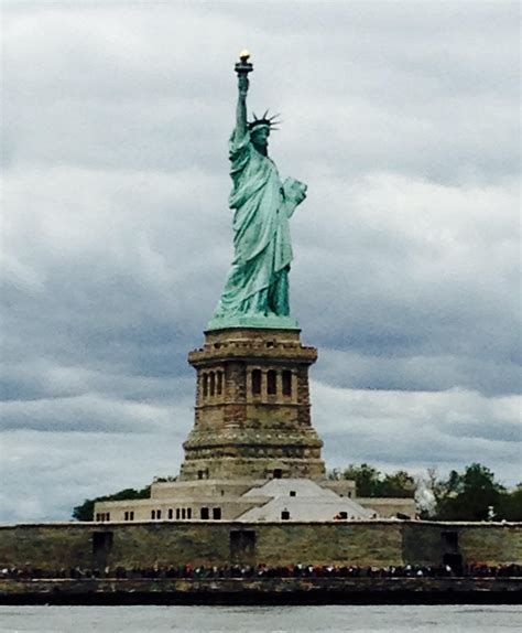 lade liberty daydream s great loop the statue of liberty new