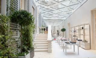 Home Design Stores In London by Dior Unveils London Boutique Design By Peter Marino