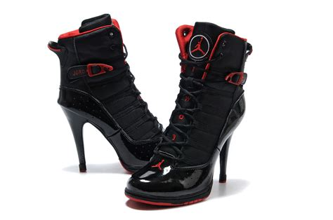 beautiful photo of high heels shoes chainimage
