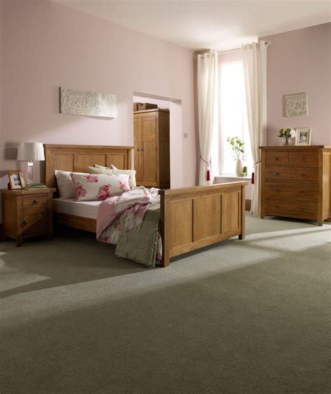 black and oak bedroom furniture 1000 ideas about oak bedroom furniture on pinterest black hutch black painted furniture and