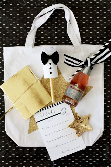 Upcoming Oscar Swag Events by 25 Best Ideas About Swag Bags On Gift Ideas