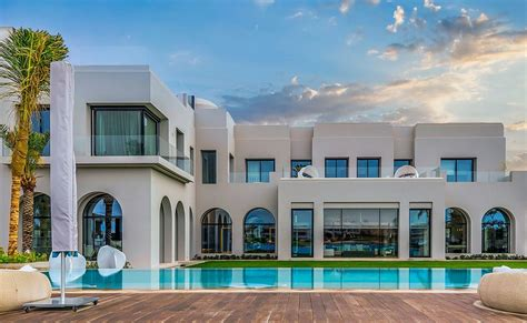 the most luxury emirates villas offers the true