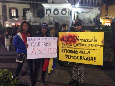 consolato venezuelano cittadini venezuelani protestano contro il loro consolato