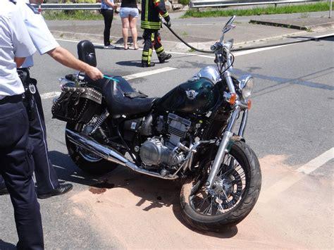 Auto Leimen by Auto Nimmt Vorfahrt Motorradfahrerin Lebensgef 228 Hrlich