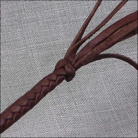 String Braiding Techniques - the terminal knot leather braiding by