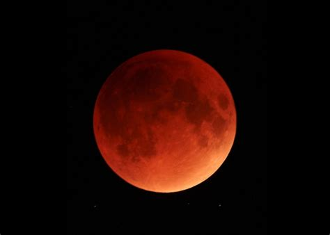 new lunar blood moon total lunar eclipse