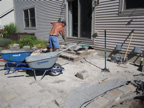 Build Paver Patio How To Build A Raised Paver Patio Patio Design Ideas