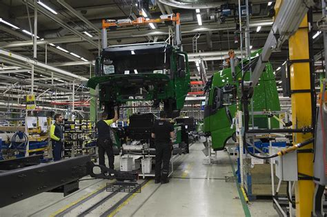 volvo trucks virginia volvo trucks virginia plant announces lay of 734