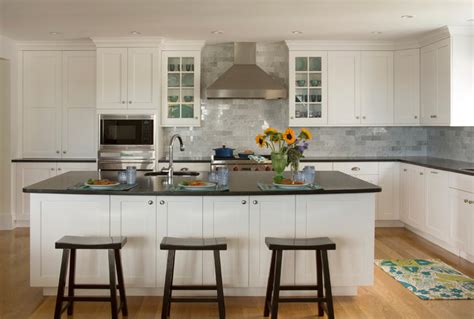 Maine Kitchen Cabinets Kennebunkport Maine White Shaker Kitchen Traditional Kitchen Boston By Heartwood Kitchens
