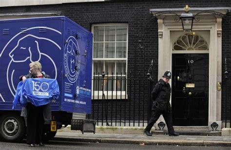 casa primo ministro inglese londra filmato un topo davanti alla residenza