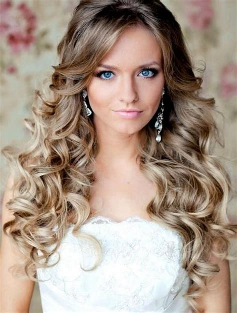 hairstyles down and curled prom hairstyles down and curly