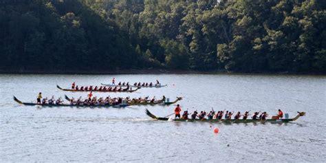 dragon boat racing atlanta georgia breast cancer survivors find community in dragon