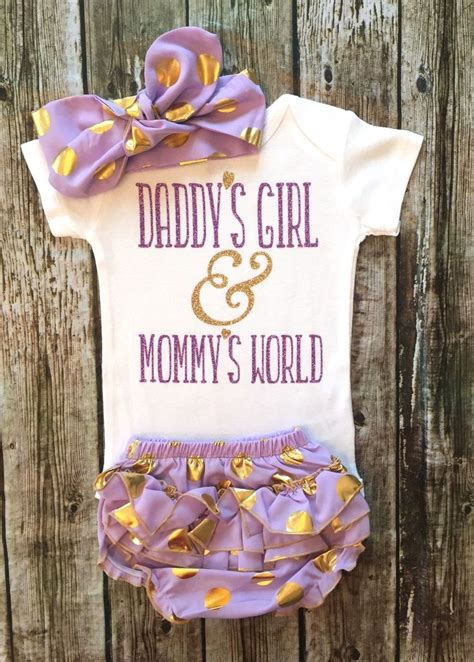 Baby Shower Clothes by Best 25 Baby Onesie Ideas On Baby
