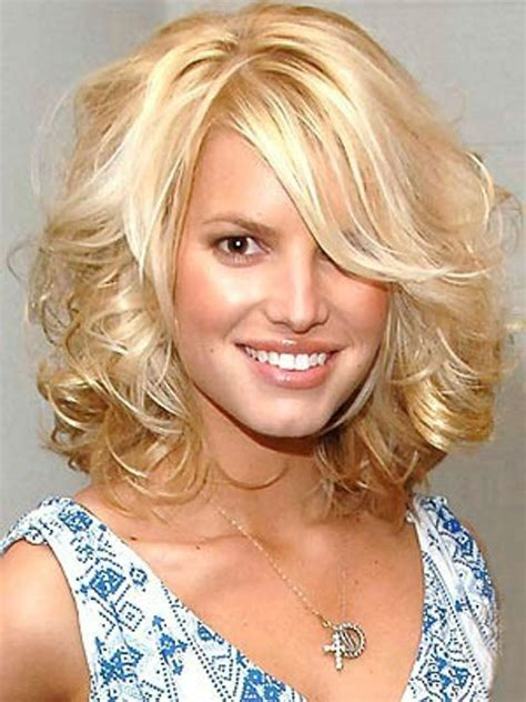 shoulder length blonde curly hair medium length wavy hairstyles circletrest