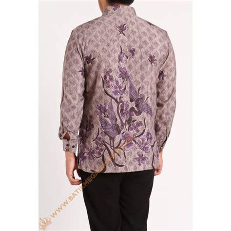 Kemeja Batik Lengan Panjang Semi Sutera Doby Ungu kemeja semi silk burung dua nuansa ungu batik mega