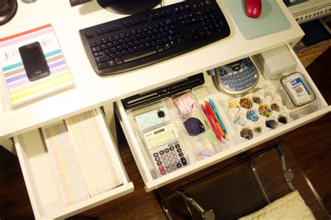 how to organize a small desk practical and inspiring solutions for organizing your work