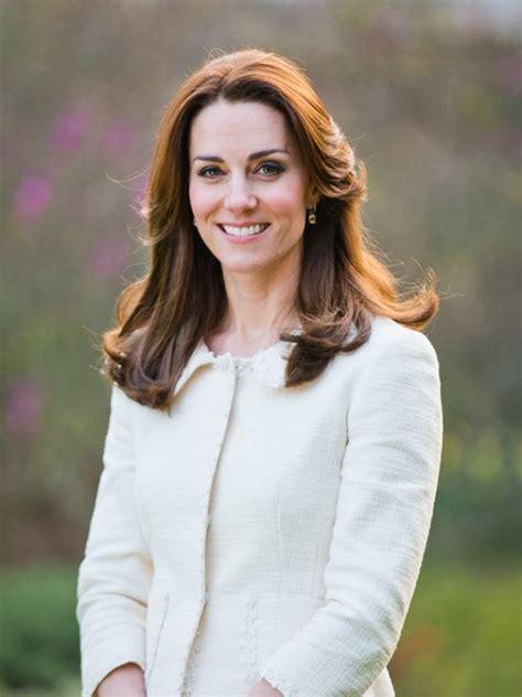princess kate duchess kate it s alberta ferretti for the cambridges new official portrait