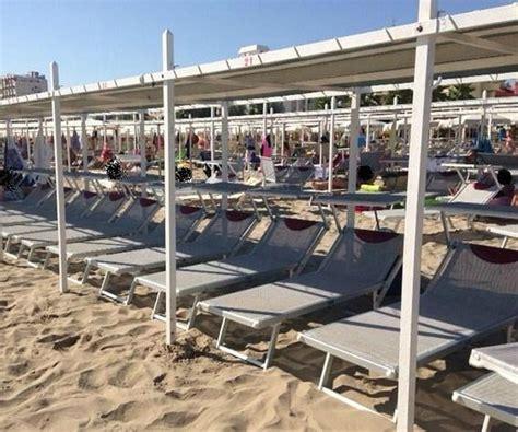 web riccione bagno 93 le tende foto di la spiaggia cuore 110 riccione